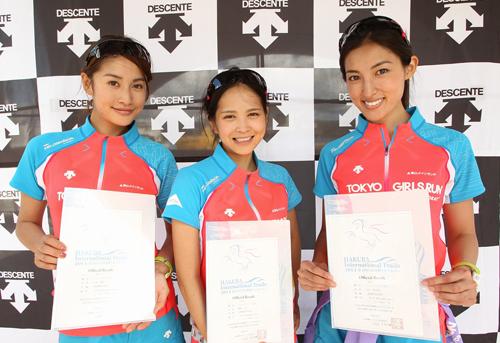 1a072dce4bb14 今回の「白馬国際トレイルラン」には、デサントがサポートするTOKYO GIRLS RUNのメンバーも出場。TOKYO GIRLS RUNとは、東京ガールズ  ...